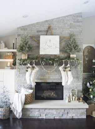 Nice Mantel Decorations Best For Winter 06