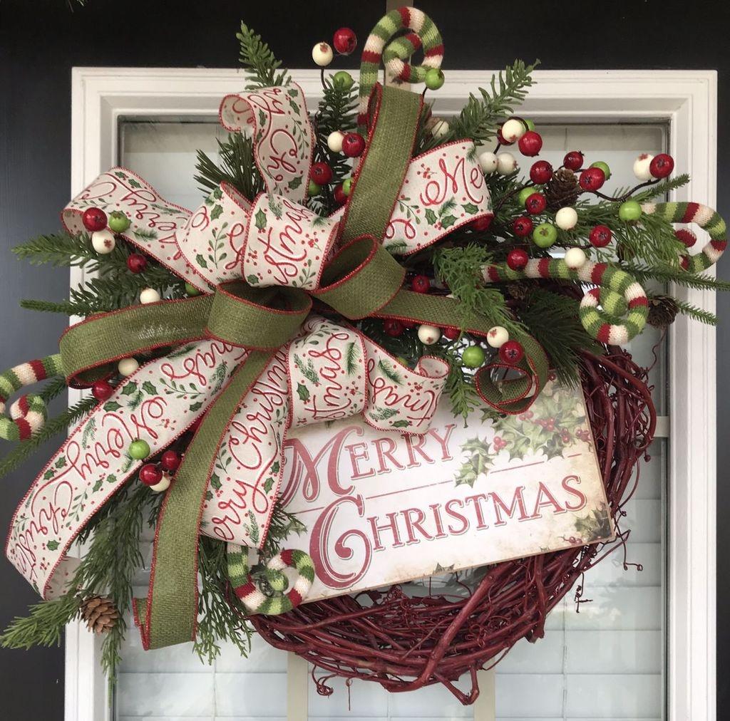Popular Winter Front Door Decoration Ideas 28