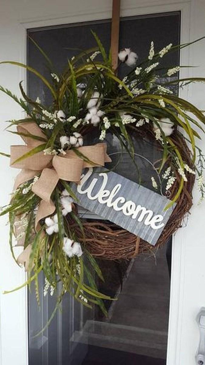 Popular Winter Front Door Decoration Ideas 46
