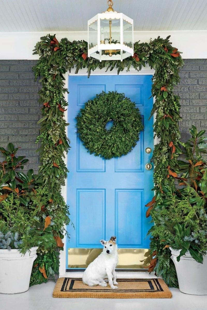 Popular Winter Front Door Decoration Ideas 48