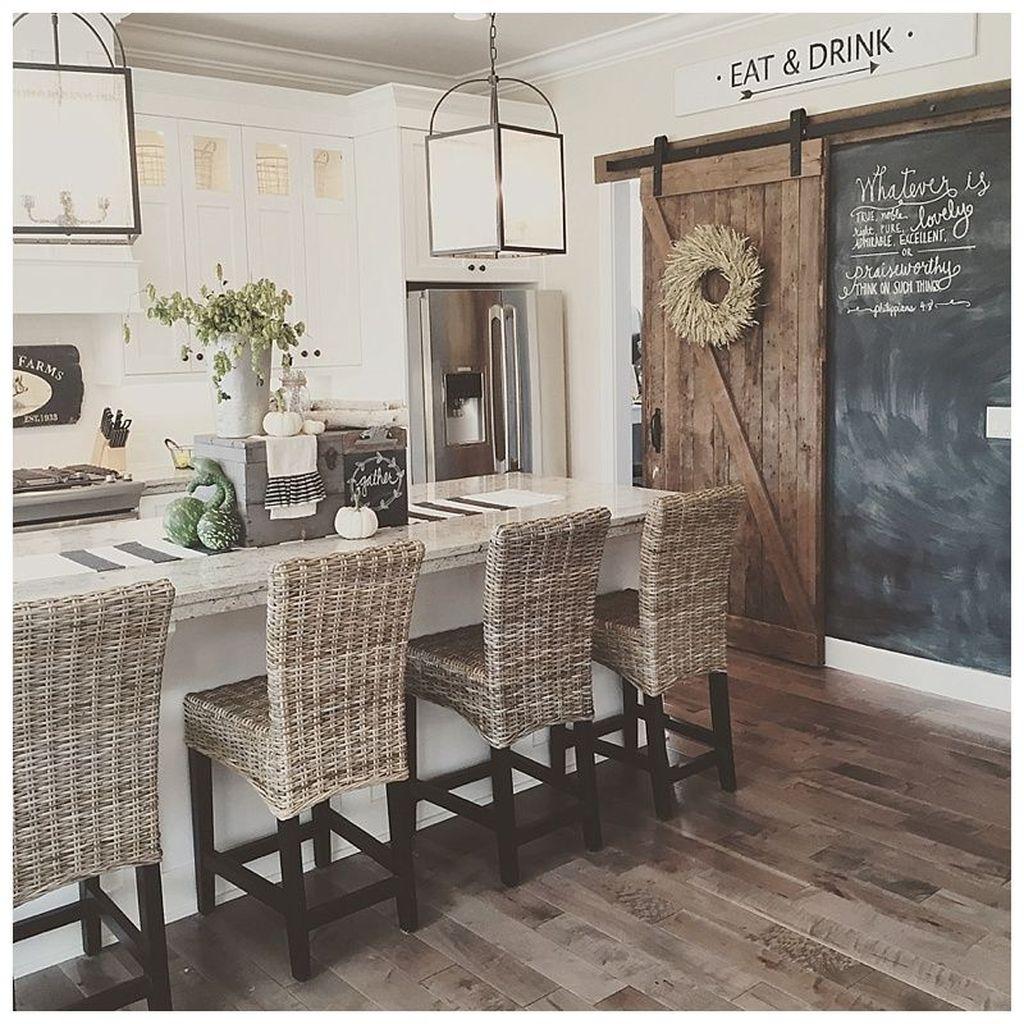 Stunning Modern Farmhouse Decorations Ideas 16