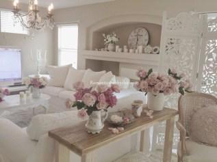 Stunning Romantic Living Room Decor 22