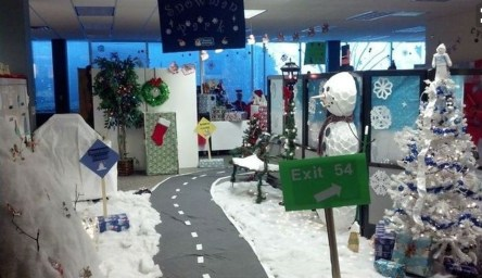 Stunning Winter Office Decorations That You Can Easily Make 03