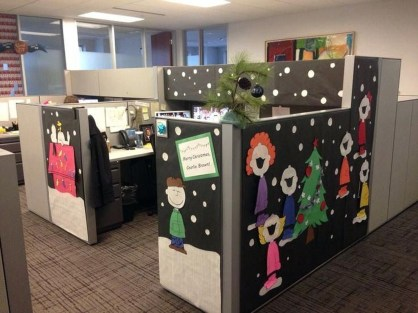 Stunning Winter Office Decorations That You Can Easily Make 34