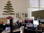 Stunning Winter Office Decorations That You Can Easily Make 37