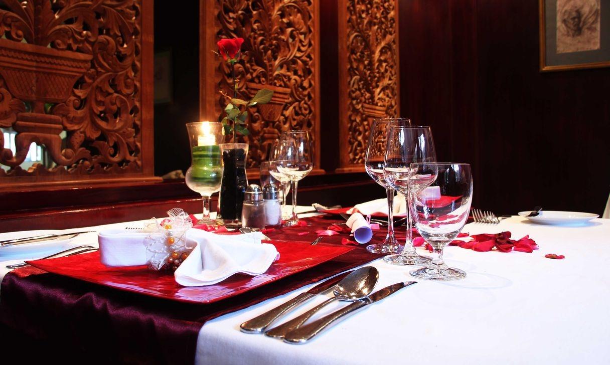 Sweet Romantic Dining Room Decor 08
