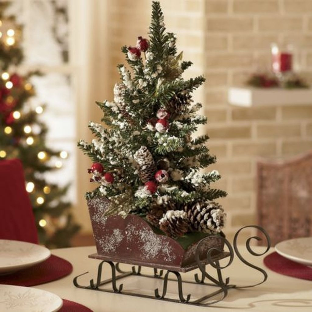 The Best DIY Christmas Centerpiece Decoration For Your Amazing Christmas 19