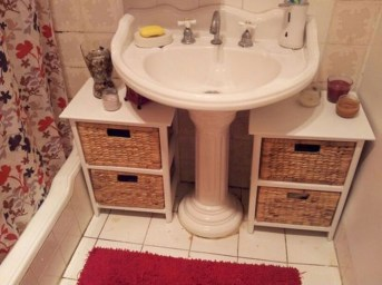 Awesome Hanging Bathroom Storage For Small Spaces 25
