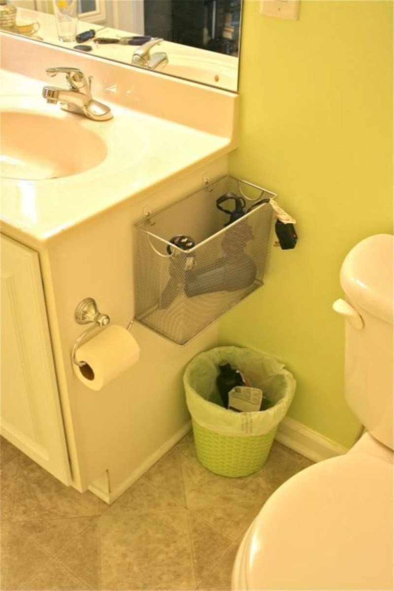 Awesome Hanging Bathroom Storage For Small Spaces 42