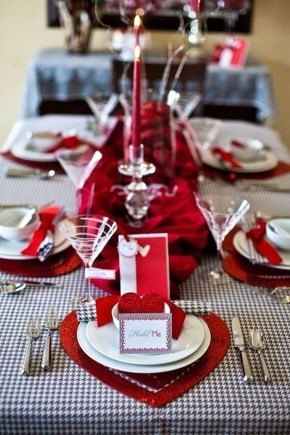 Beautiful Valentines Day Table Decor 14