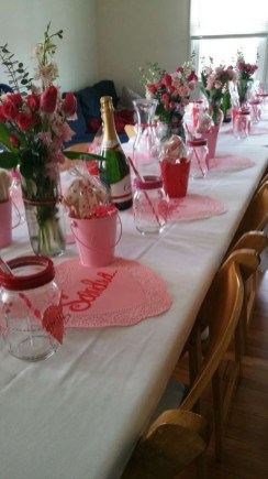 Beautiful Valentines Day Table Decor 17