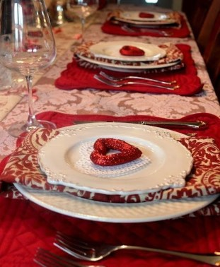 Beautiful Valentines Day Table Decor 31