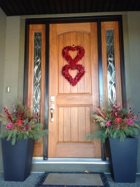 Front Porch Valentines Day Decor With LOVE Word 09