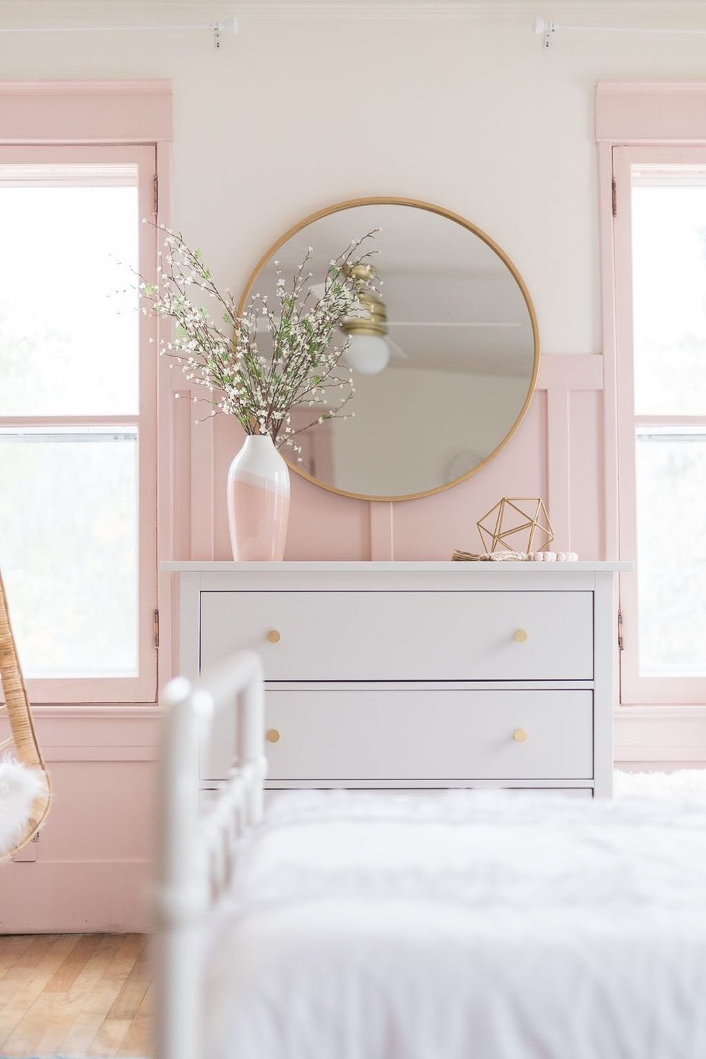 Pink Bedroom Decor You Can Try On Your Own 12