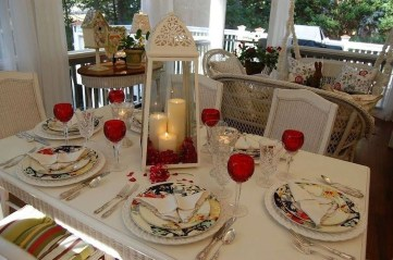 Romantic Valentines Day Dining Room Decor 11
