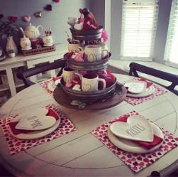 Romantic Valentines Day Dining Room Decor 25