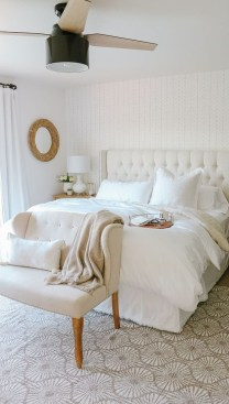 Small Master Bedroom Design With Elegant Style 17