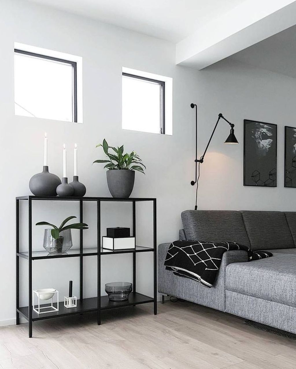 Stunning Modern Black Home Decor 22