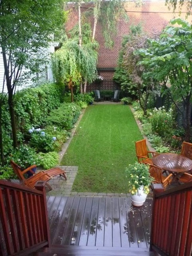 Tiny Yard Garden Design You Can Try Right Away 19