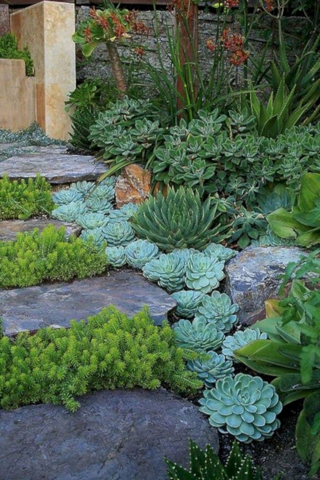 Tiny Yard Garden Design You Can Try Right Away 39