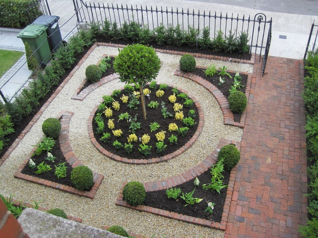 Tiny Yard Garden Design You Can Try Right Away 46