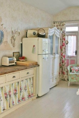 Upgrading Your Wall For Romantic Kitchen Decorations 44