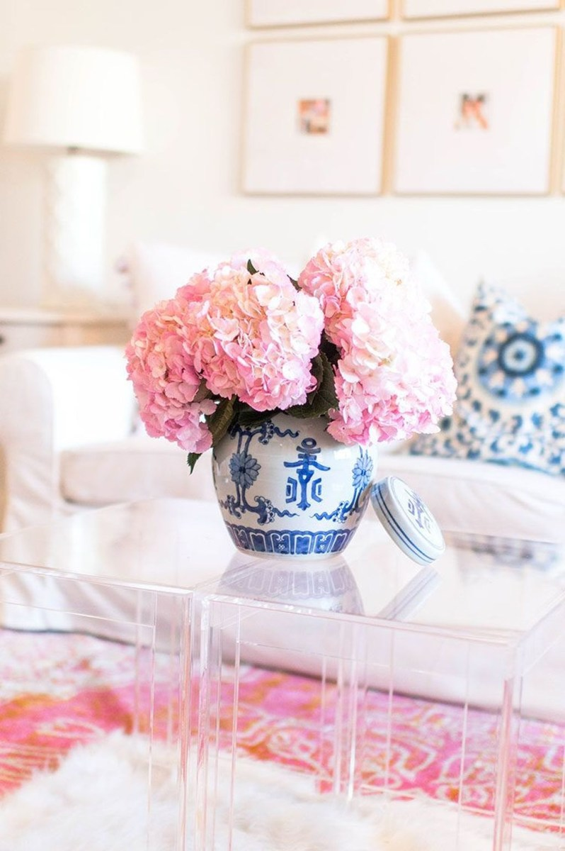 Valentines Day Home Decor With White Color Scheme 05