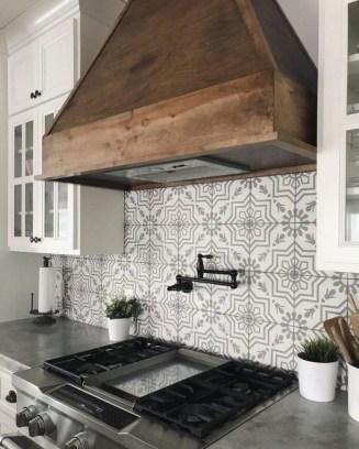 Affordable Kitchen Backsplash Decor Ideas 27
