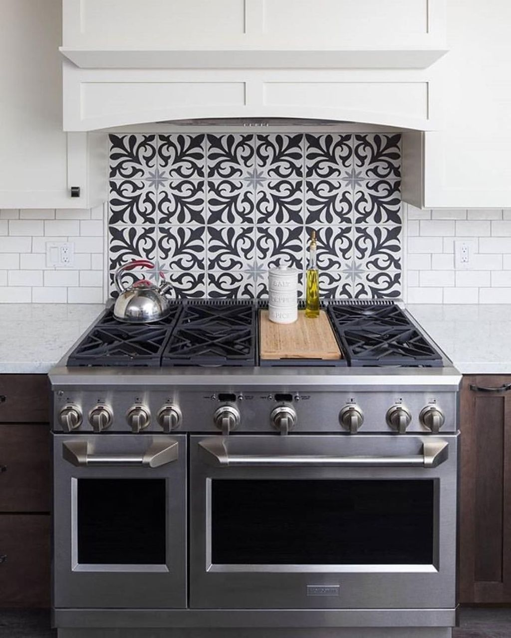 Affordable Kitchen Backsplash Decor Ideas 36
