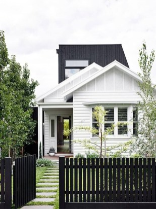 Front Yard Fence Ideas That You Need To Try 06