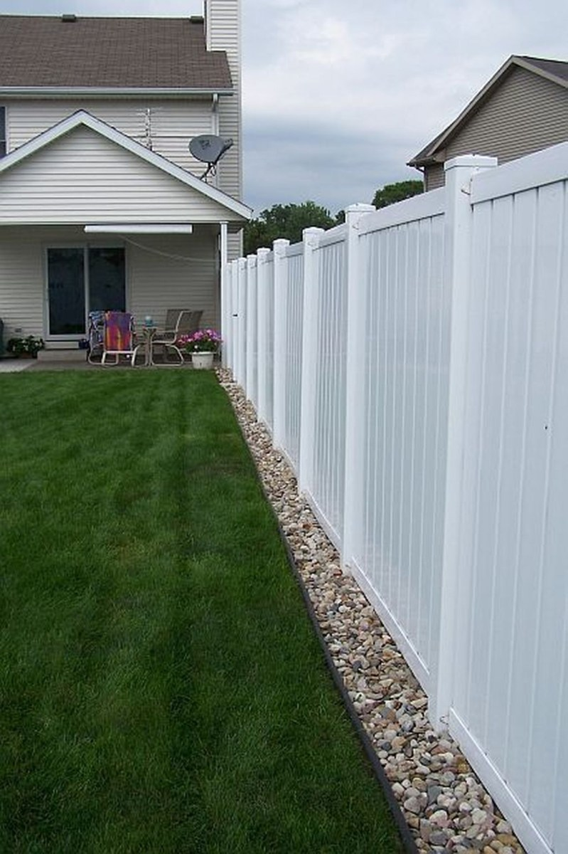 Front Yard Fence Ideas That You Need To Try 12