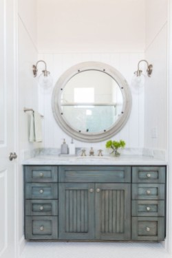 Nice Bathroom Decoration With Coastal Style 09