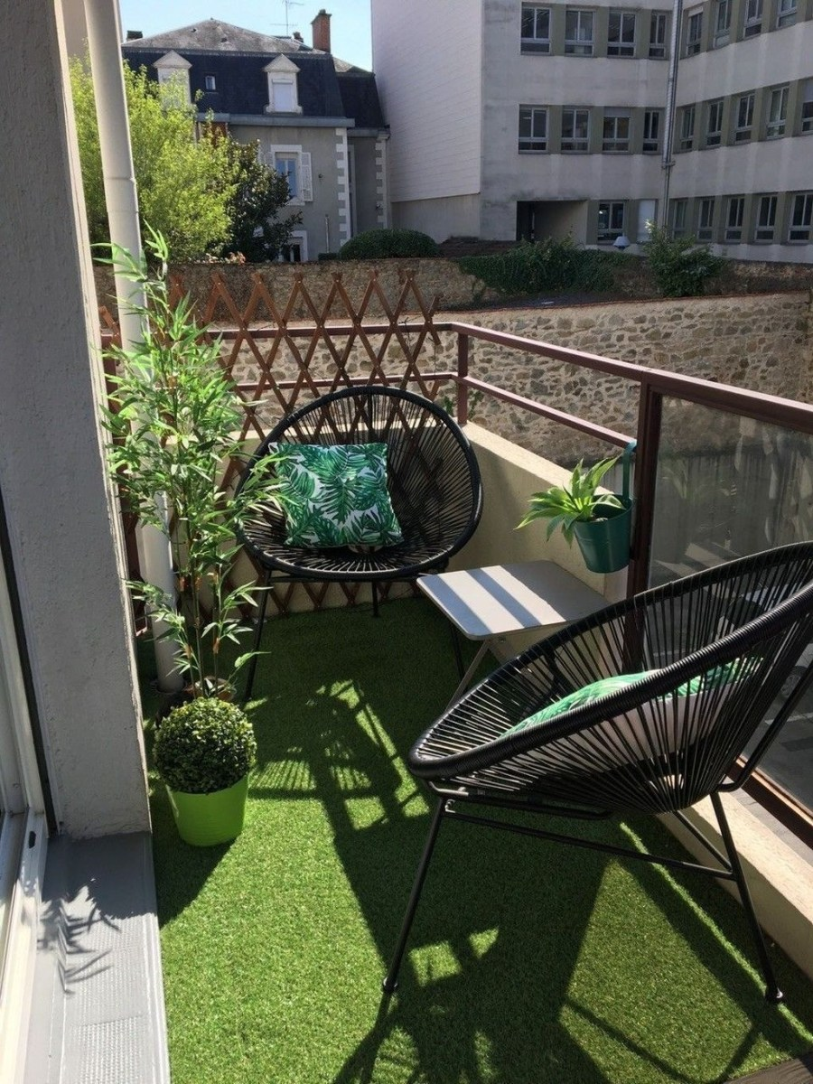 Popular Apartment Balcony Design For Small Spaces 15