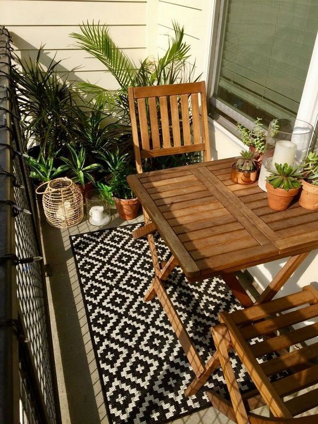 Popular Apartment Balcony Design For Small Spaces 33
