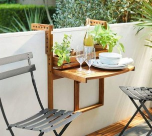 Popular Apartment Balcony Design For Small Spaces 48