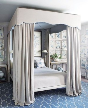 Romantic Bedroom With Canopy Beds 43