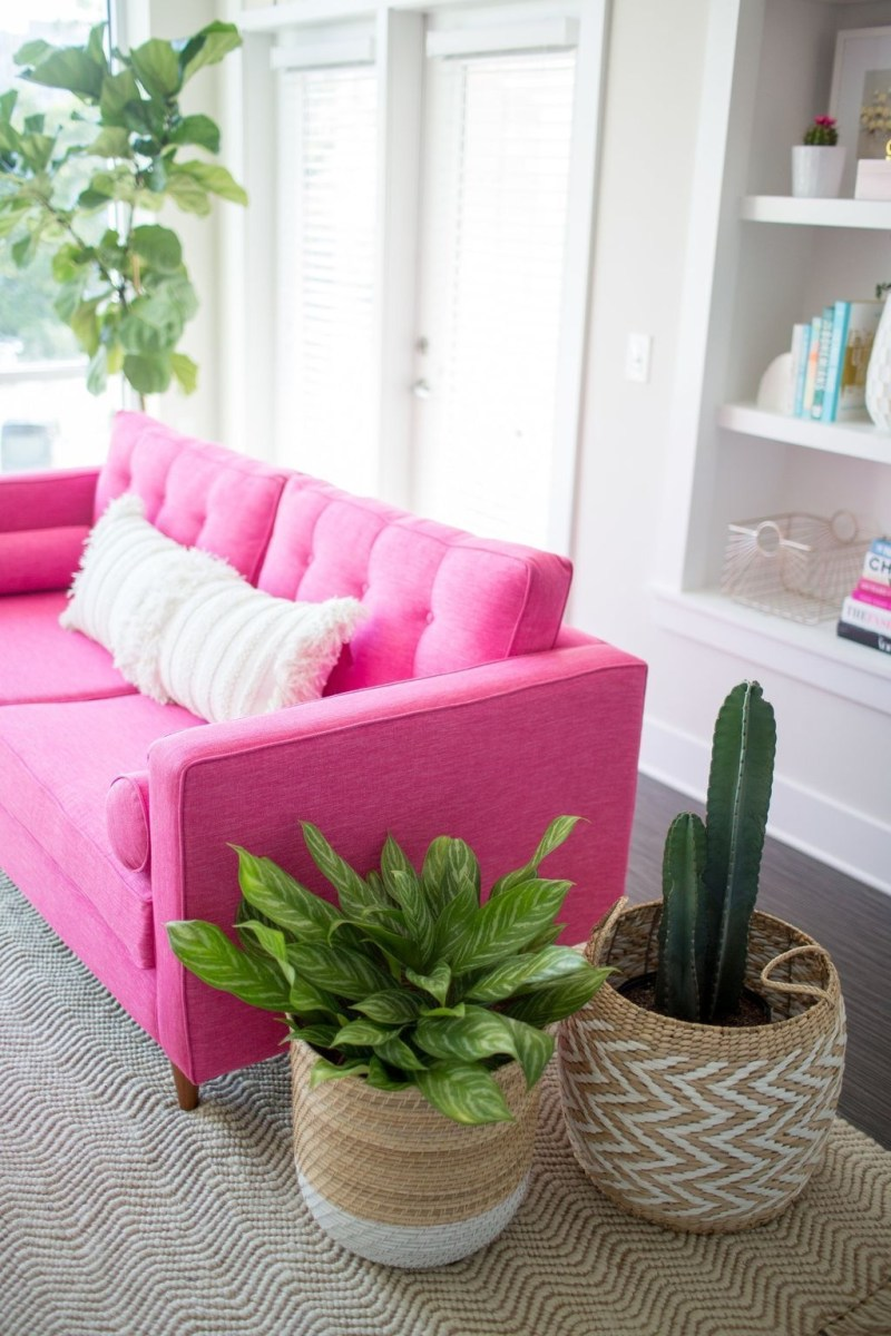 Lovely Pink Living Room Decor Ideas 05