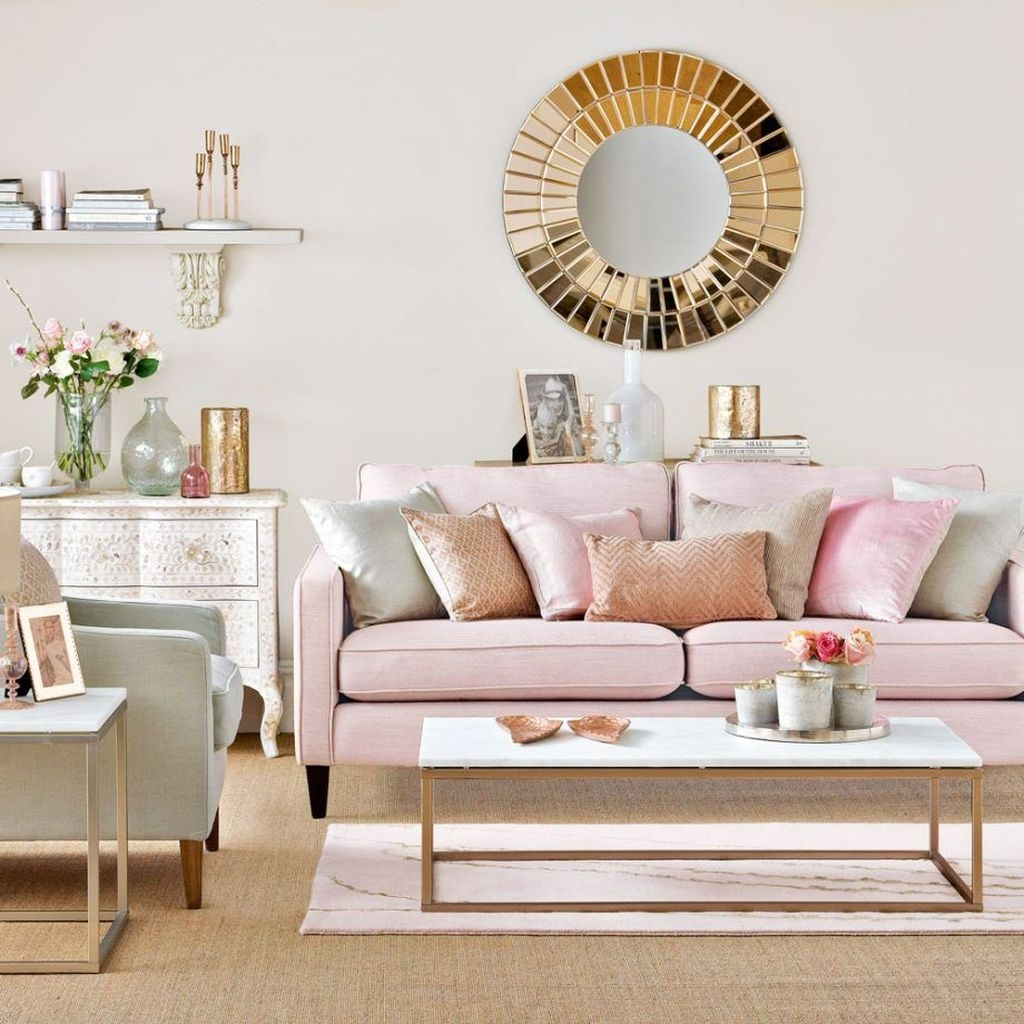 Lovely Pink Living Room Decor Ideas 22