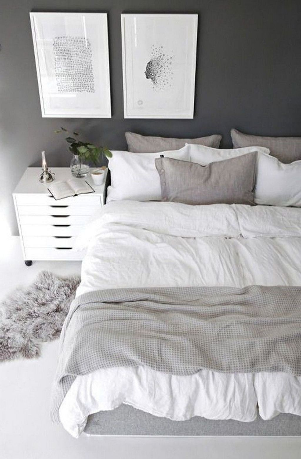 Minimalist Scandinavian Bedroom Decor Ideas 39