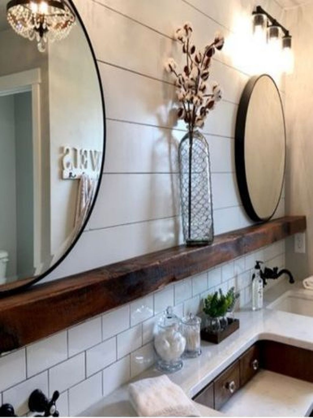 Perfect Rustic Farmhouse Bathroom Design Ideas 24