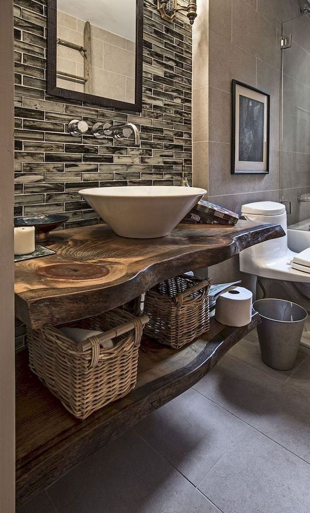 Perfect Rustic Farmhouse Bathroom Design Ideas 34