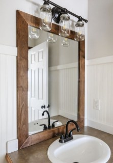 Perfect Rustic Farmhouse Bathroom Design Ideas 46