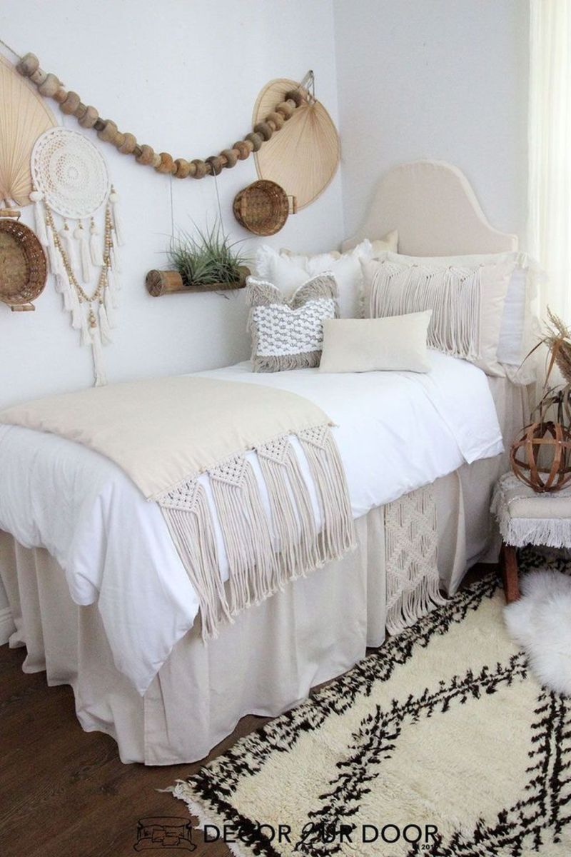 Cool Dorm Room Ideas To Maximize Your Space 02