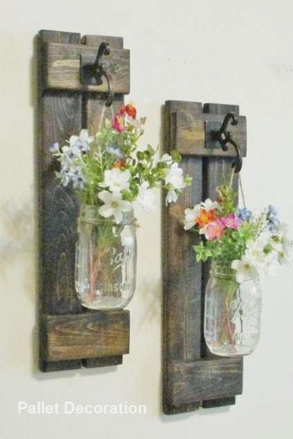 Fabulous Pallet Wall Decor Ideas To Beautify Your Interior 14