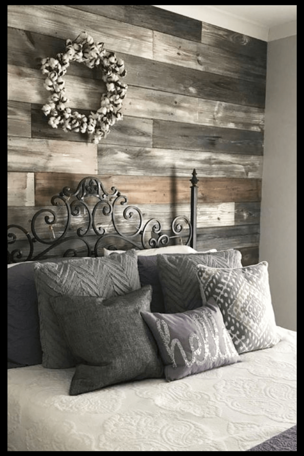 Fabulous Pallet Wall Decor Ideas To Beautify Your Interior 16