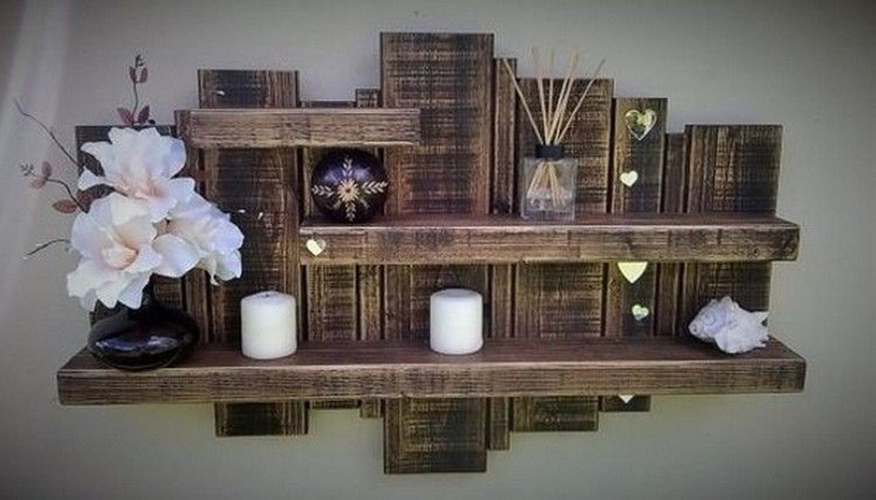 Fabulous Pallet Wall Decor Ideas To Beautify Your Interior 18