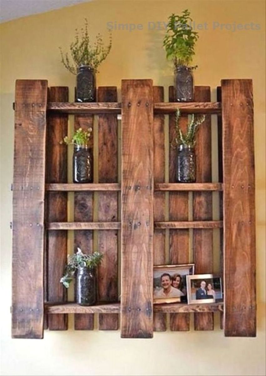 Fabulous Pallet Wall Decor Ideas To Beautify Your Interior 20