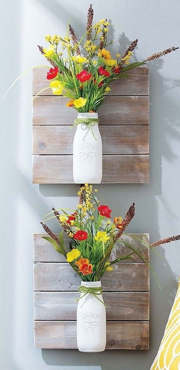 Fabulous Pallet Wall Decor Ideas To Beautify Your Interior 24