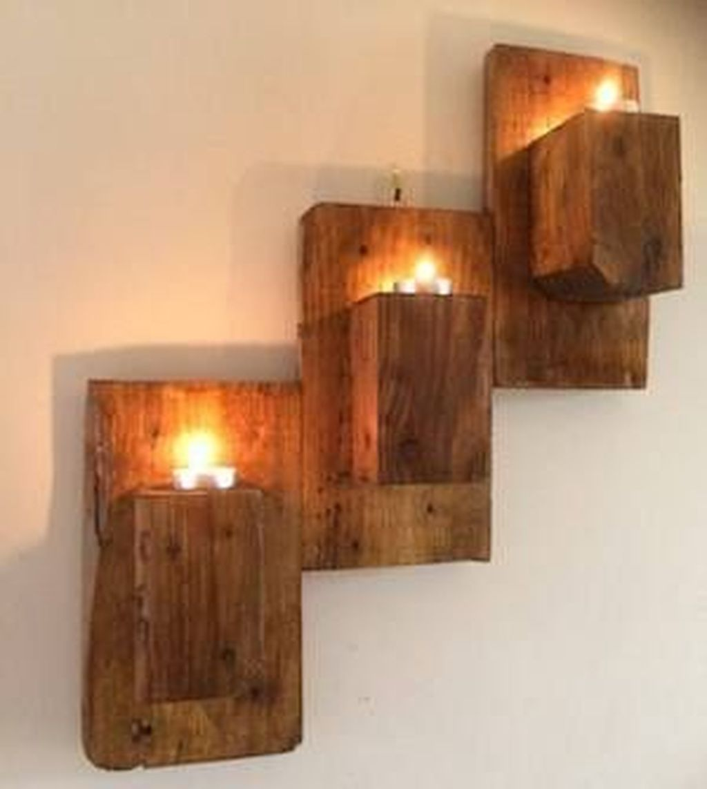 Fabulous Pallet Wall Decor Ideas To Beautify Your Interior 25