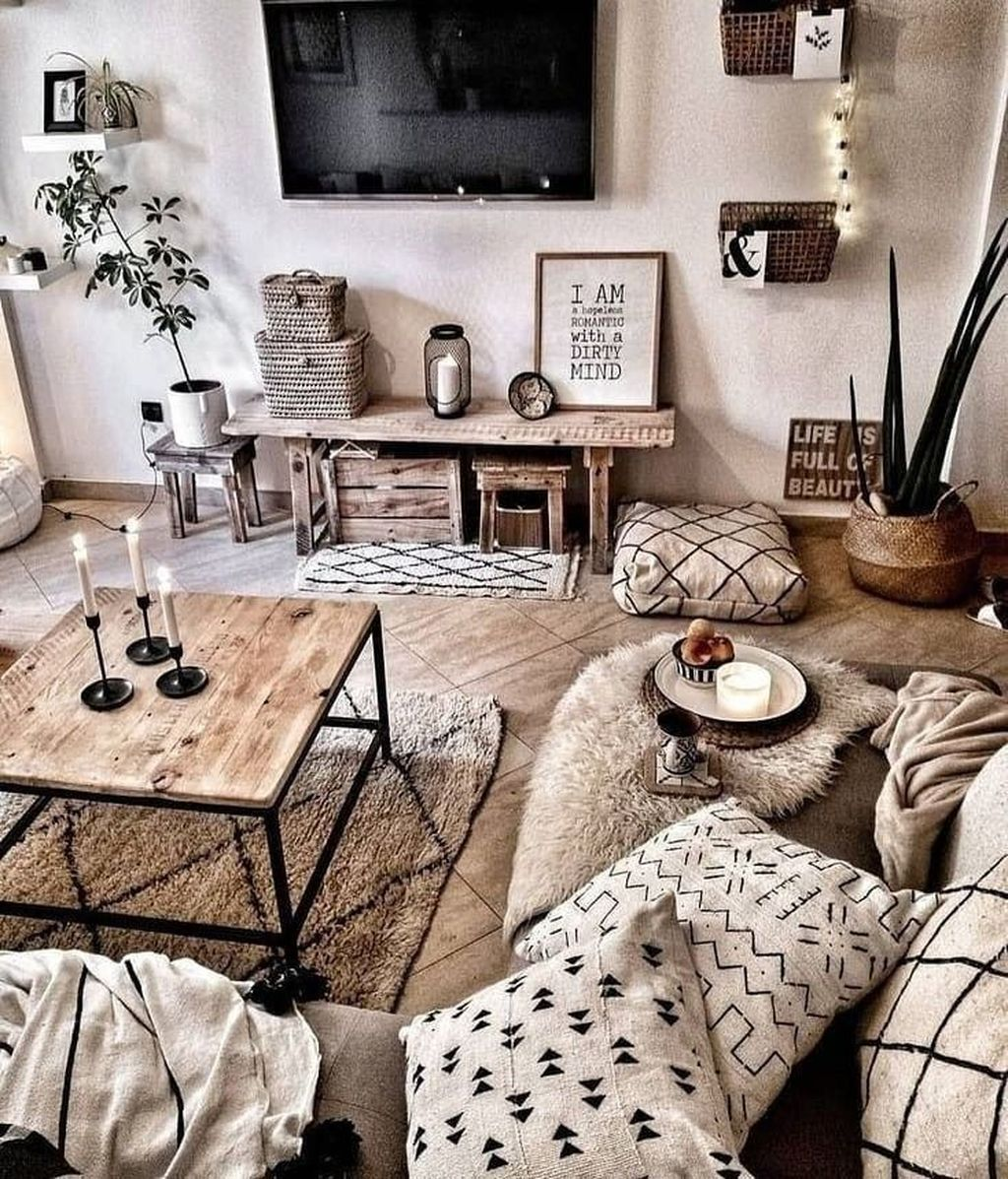 Fascinating Small Apartment Living Room Decor Ideas 13